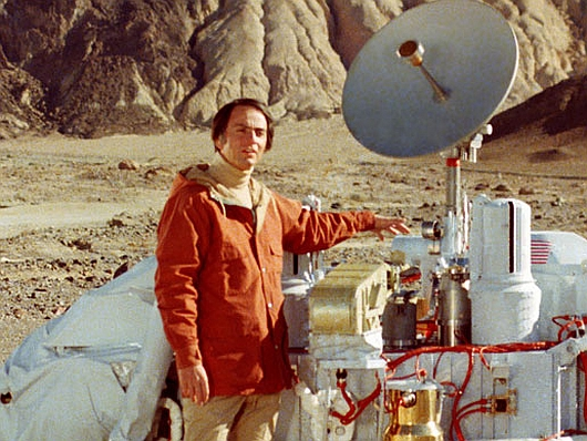 carl sagan with viking lander