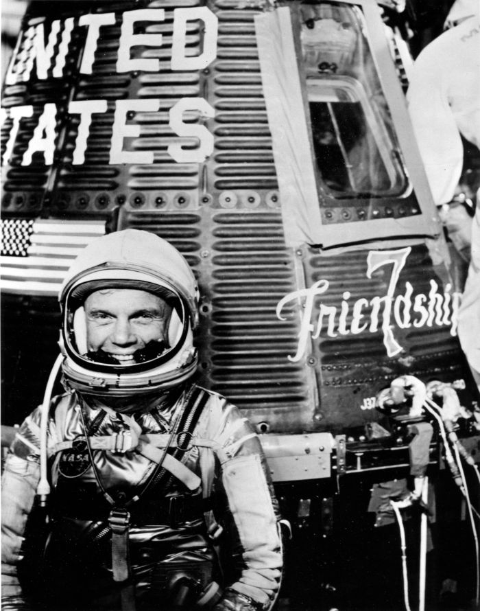 john-glenn-and-friendship-7-capsule